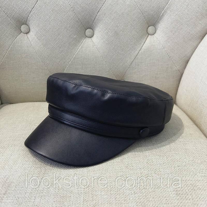 Женский картуз, кепи, фуражка из кожзама черный