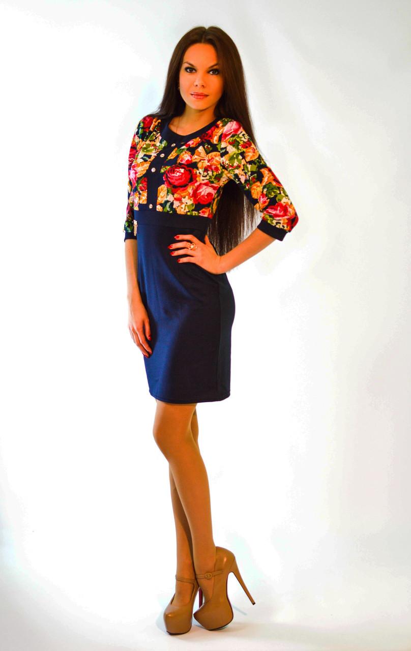 Женское трикотажное платье с цветами