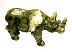 Носорог из натурального камня.