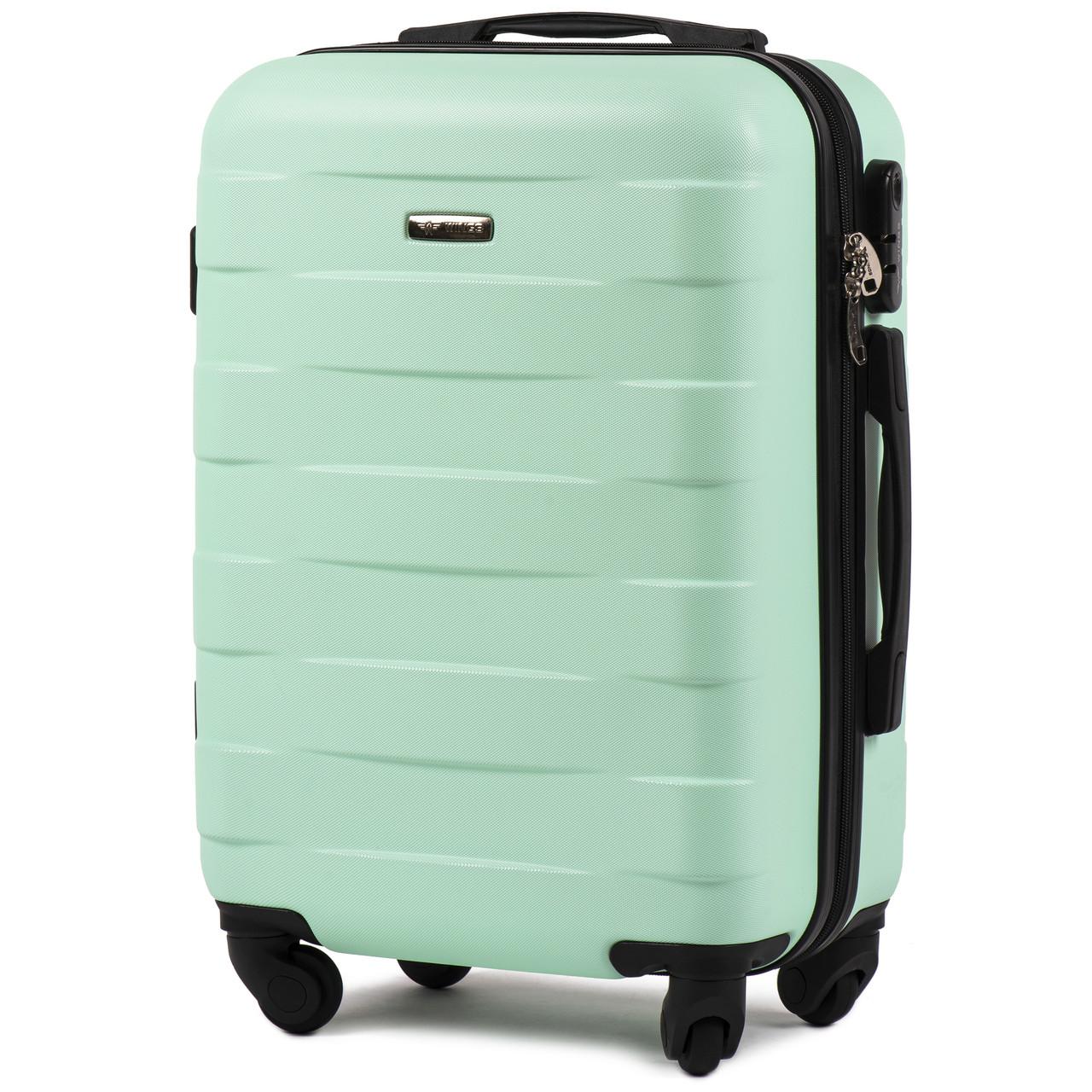 Малый пластиковый чемодан Wings 401 на 4 колесах зеленый