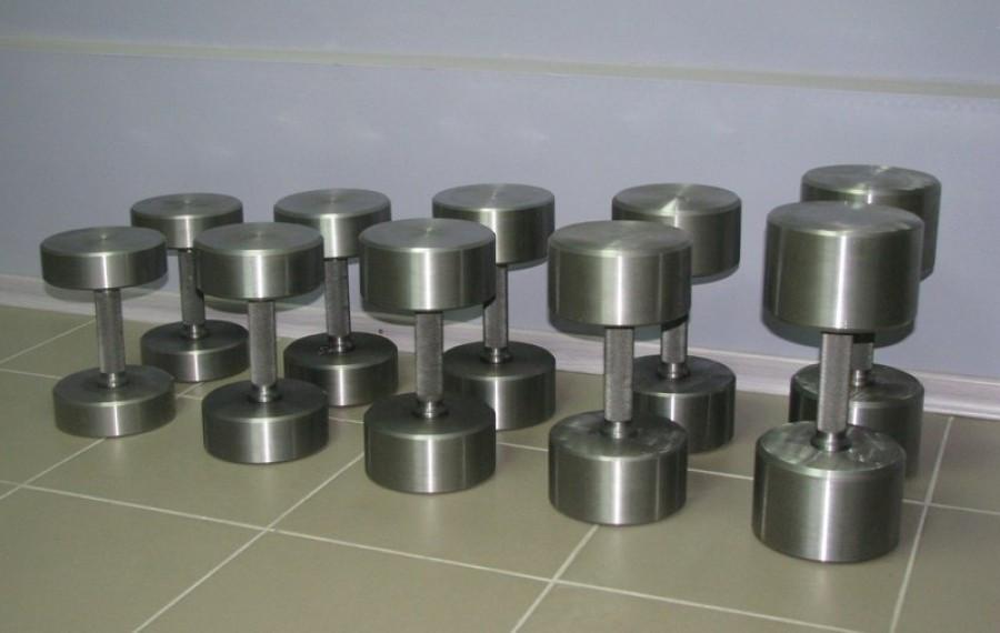 Гантельний ряд від 12 до 50 кг (металевий). Загальна вага 1240 кг