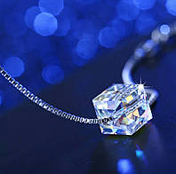 Серебряная цепочка с кулоном кубик Swarovski