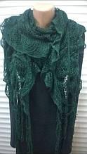 Шарф ажурный трикотажный кружевной вязки с бахромой  зеленого цвета