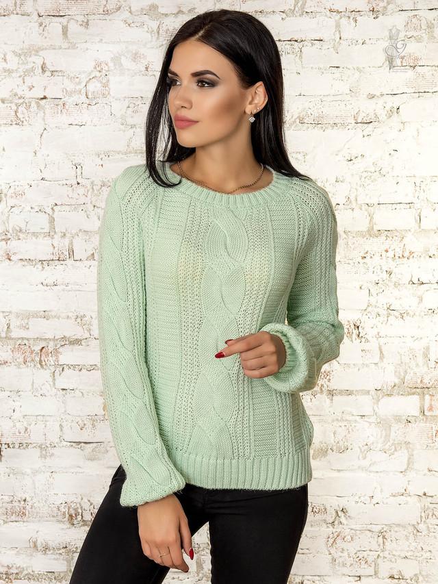 Фото Вязаного женского свитера Николь-1