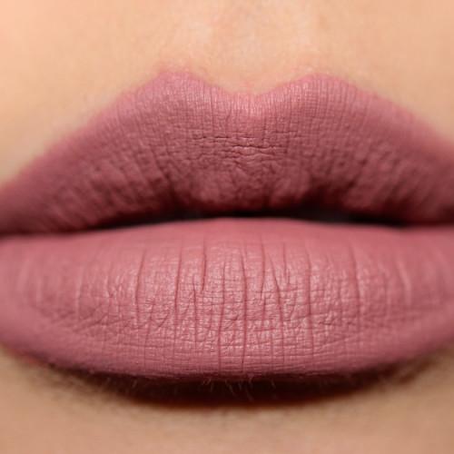 Увлажняющая помада для губ MAKE UP FOR EVER Artist Rouge Lipstick