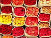 Свежие живые цветы оптом