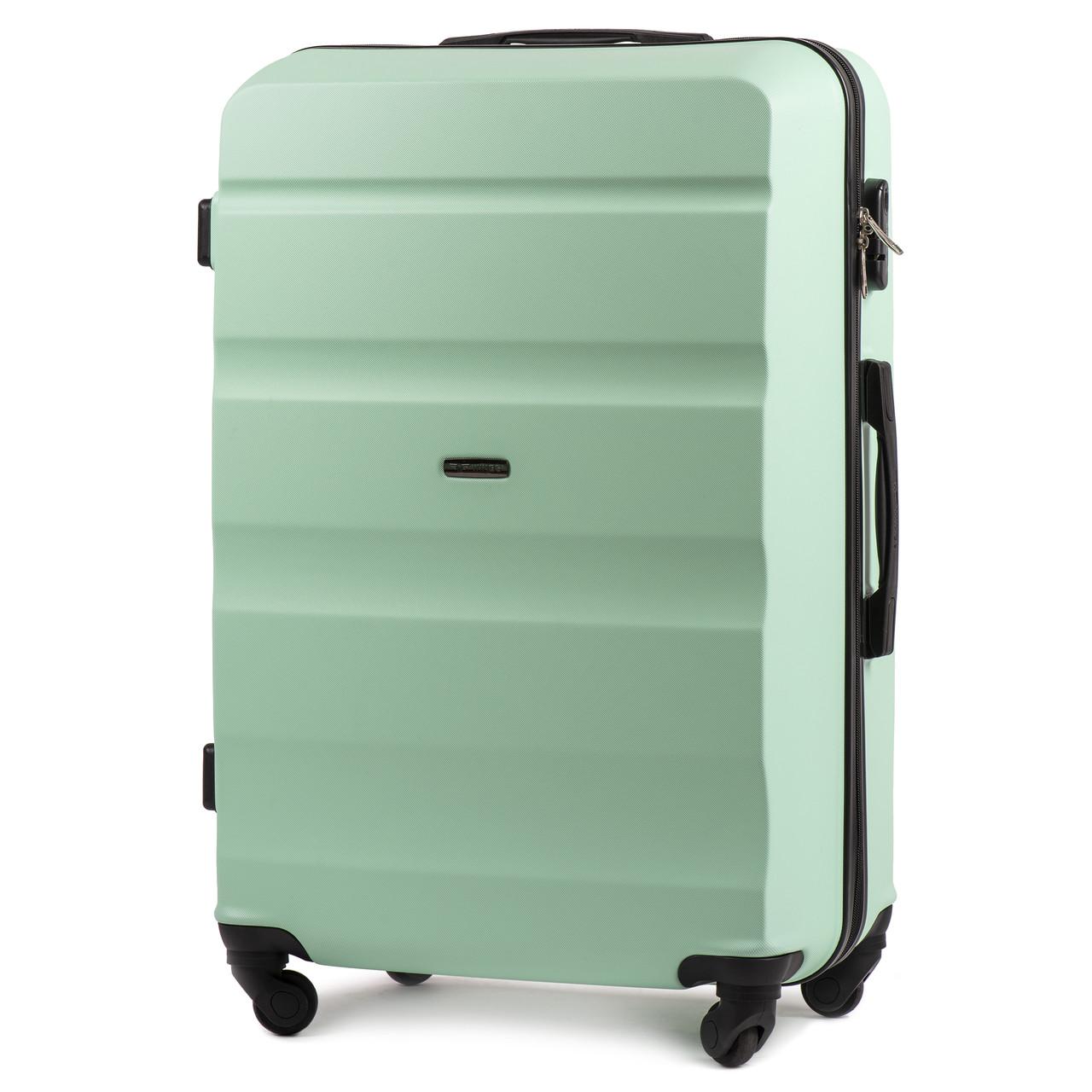 Большой пластиковый чемодан Wings AT01 на 4 колесах зеленый
