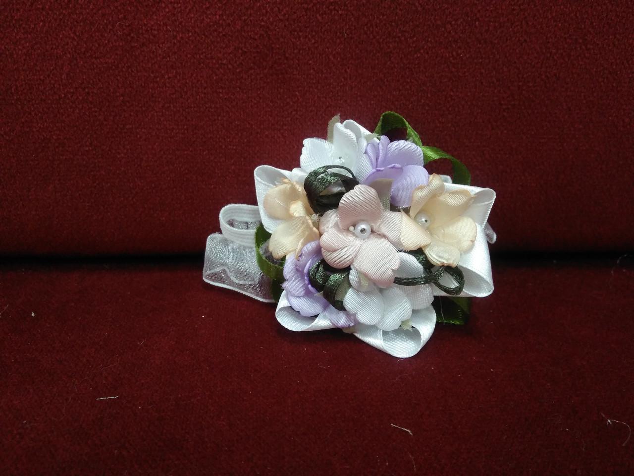Браслет цветочный (бутоньерка на руку)