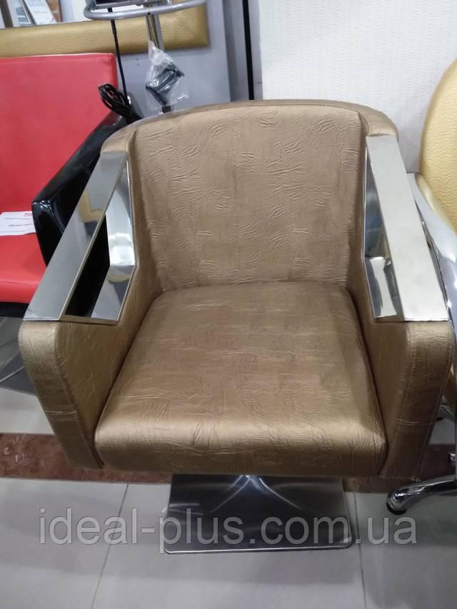 Парикмахерское кресло в черном цвете A006