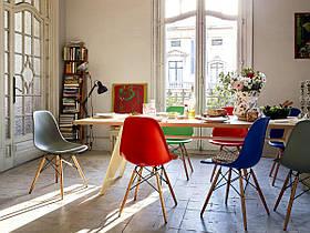 Красный стул пластиковый в современном стиле Nik на буковых ножках, фото 2