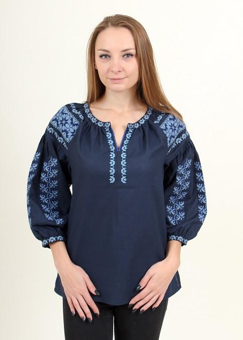 Современная блуза вышиванка с вышивкой крестиком
