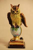 Статуэтка сова на глобусе 091205B