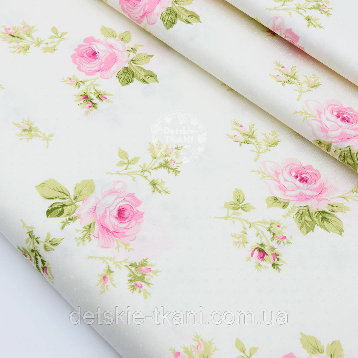 """Сатин ткань """"Розы с салатовыми листьями и белыми точками"""" на молочном №1738с"""