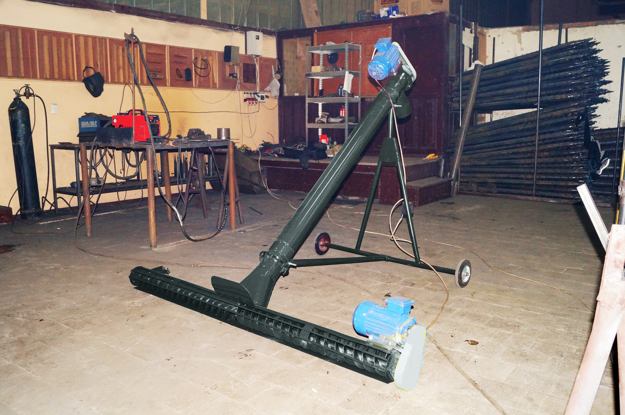 Шнековый погрузчик ø 130*3000*380В с подборщиком 2 000 мм