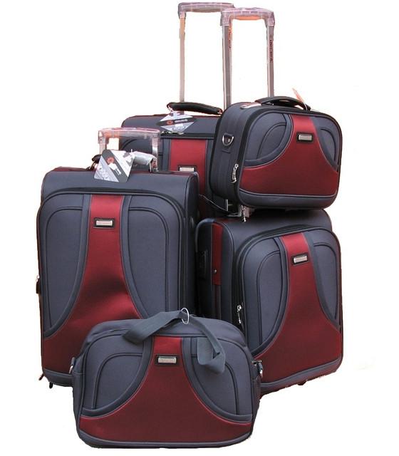 Сумки и чемоданы на колесах разные размеры. Товары и услуги компании