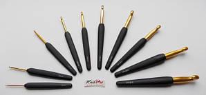 Крючок KnitPro алюминиевый с черной ручкой и золотым наконечником