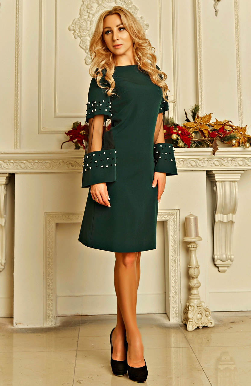 Женственное красивое платье с жемчужинами