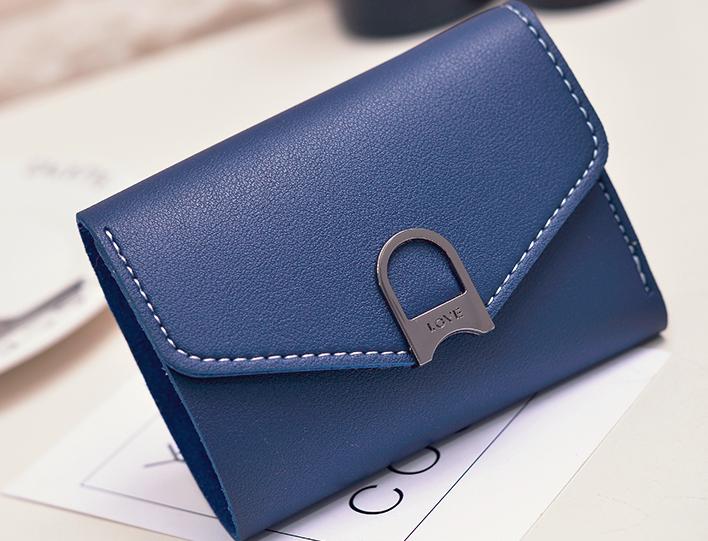 Маленький женский синий кошелек на кнопке