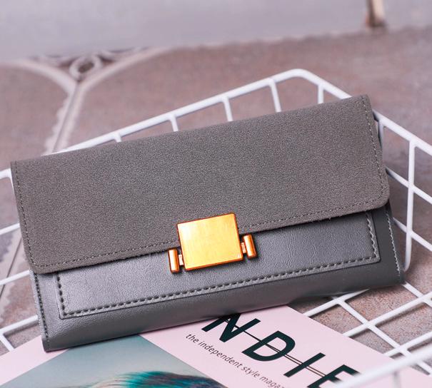 Женский кошелек с застежкой серый