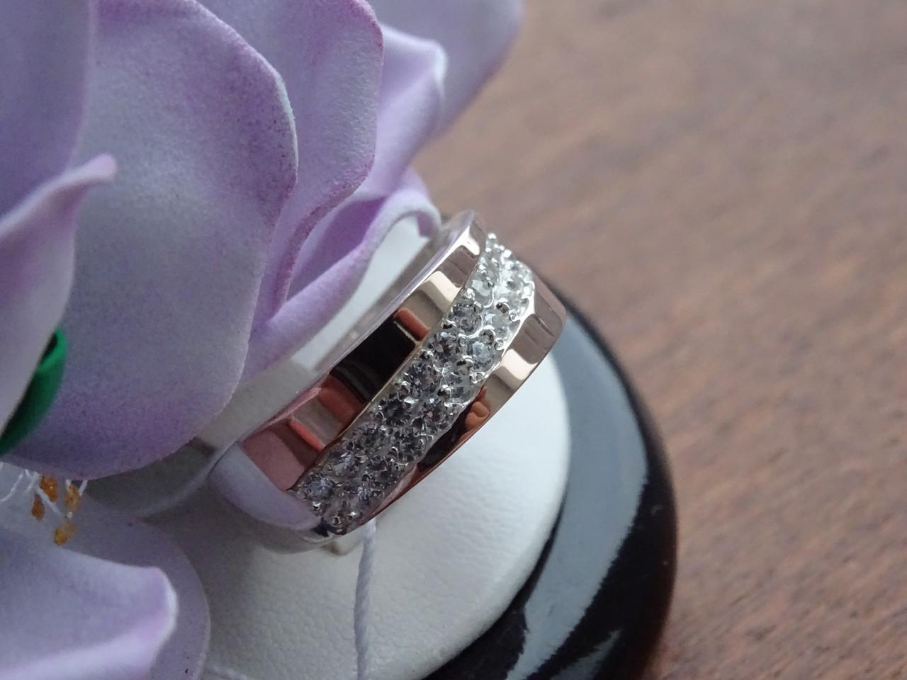 Супер нежное серебряное кольцо с золотыми пластинами