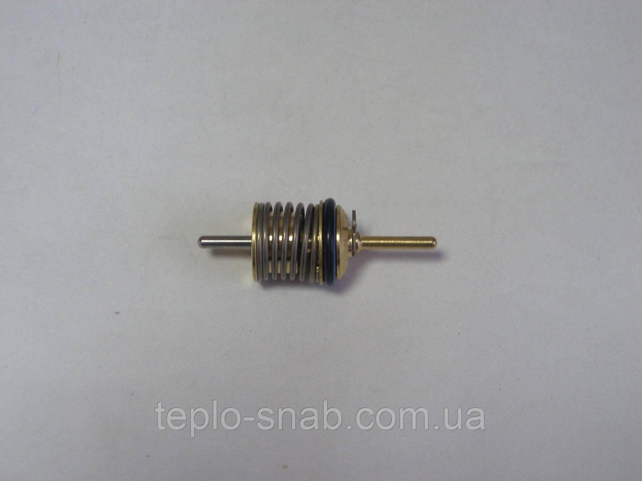 Затвор 3-х ходового клапана ГВС (шток с клапаном) Westen Pulsar; Baxi Eco 3 Compact, Baxi Luna, Baxi Luna Max.. 600760