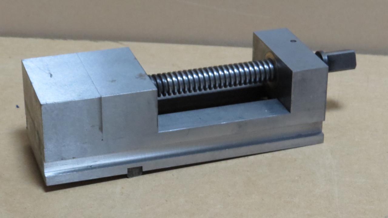 Тиски лекальные 100мм Белоруссия ГМ-7410УН Цена с НДС