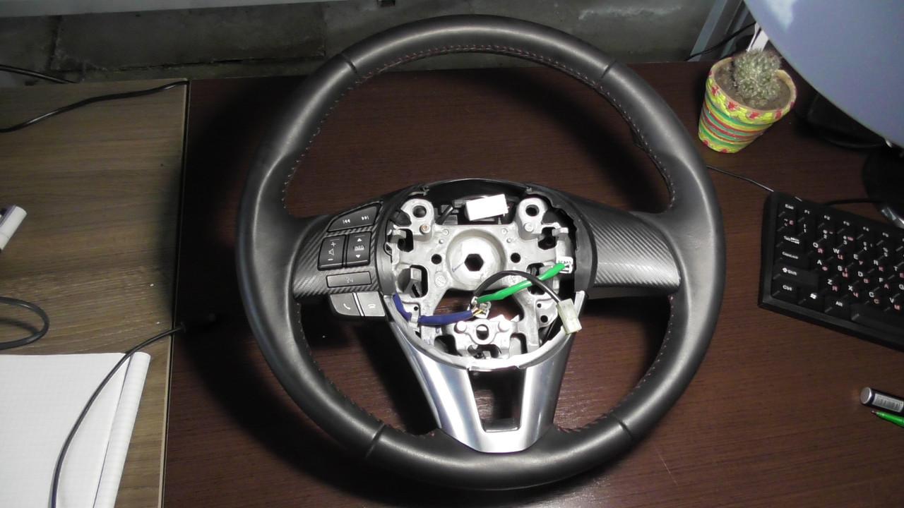 BHR1664M0   Кнопки в руль оригинал  Мазда 3 BM