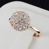 Бесподобное кольцо с кристаллами Swarovski и c позолотой 0460