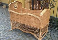 Плетеная люлька-кроватка из лозы