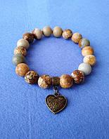 Браслет из натуральной каменной яшмы с подвеской сердце