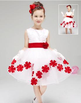 Платье красивое с деталями
