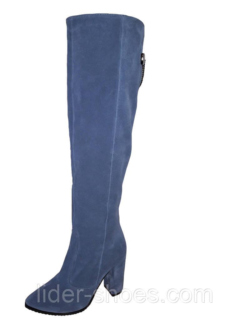 Модные женские ботфорты на каблуке