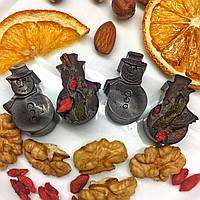 Шоколадные конфеты БЕЗ сахара в форме Снеговика с ягодами годжи и орехами. Новогодний подарок
