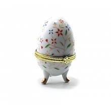 Красива скринька для зберігання яйце