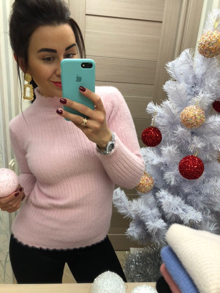 Светло-розовый свитер из ангоры