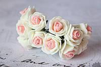 Букетик розочек 2,5 см диаметр мини 12 шт. кремово-розового цвета на стебле, фото 1