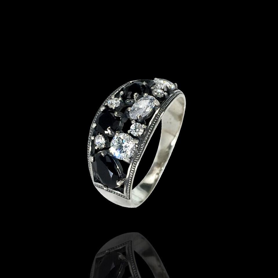 Серебряное кольцо с фианитами, 10 камней