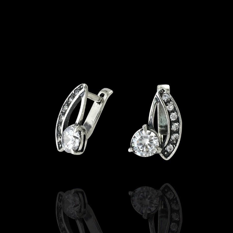 Серебряные серьги с фианитами, 14 камней