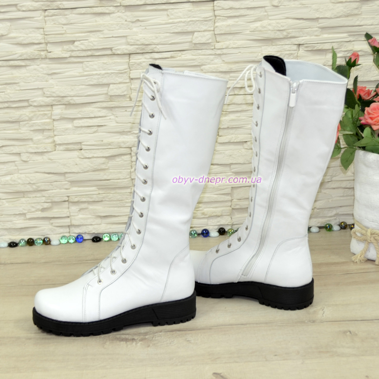3e03569b941b Стильные зимние сапоги на шнуровке, натуральная белая кожа