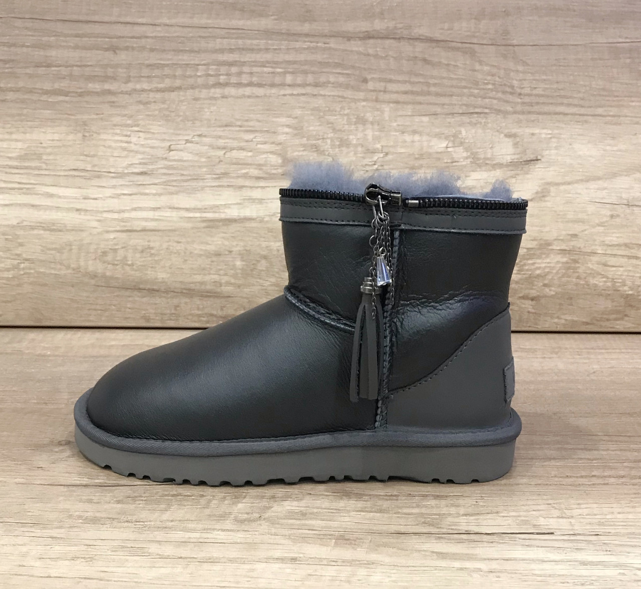 Серые кожаные угги с разделяющей молнией UGG Zipper Gray Leather