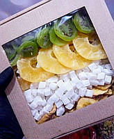 Набор сушеных фруктов: киви, ананас кольцо, кокос кубик, банановые чипсы