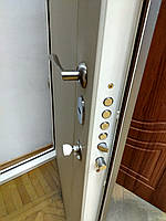 Двері вхідні 2050*770 з мдф картками і замок Моттура (Mottura)54.797