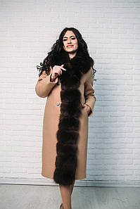 Женское пальто Vshubke приталенное 48 бежевое с темным финским песцом (717)