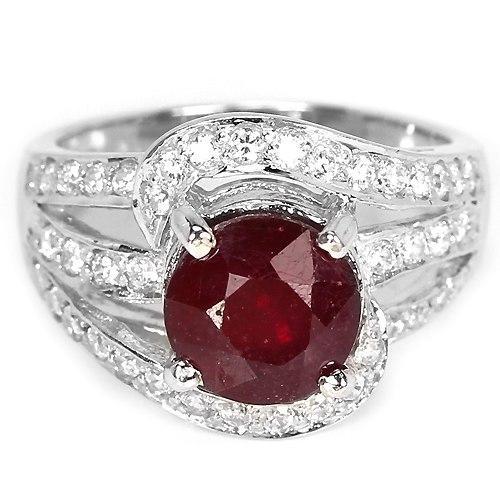 Кольцо с натуральным Рубином и фианитами