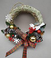 Новогодний рождественский венок 30 см. c декором, игрушками и шишками. Новорічний різдвяний віночок