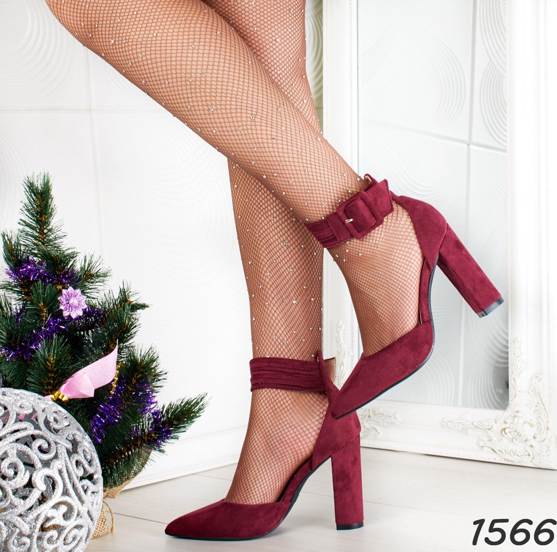 Женские нарядные туфли на каблуке