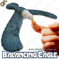 "Балансуюча птах - ""Balancing Eagle"" - 17 х 14 см"