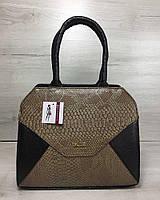 Женская сумка черного цвета  с кофейной вставкой реплилия