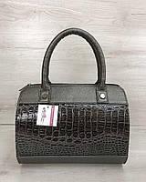 f2dff36b400c Женская сумка Маленький Саквояж цвета металлик со вставкой коричневый  лаковый крокодил