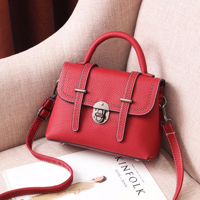 Мини сумочка через плечо красный